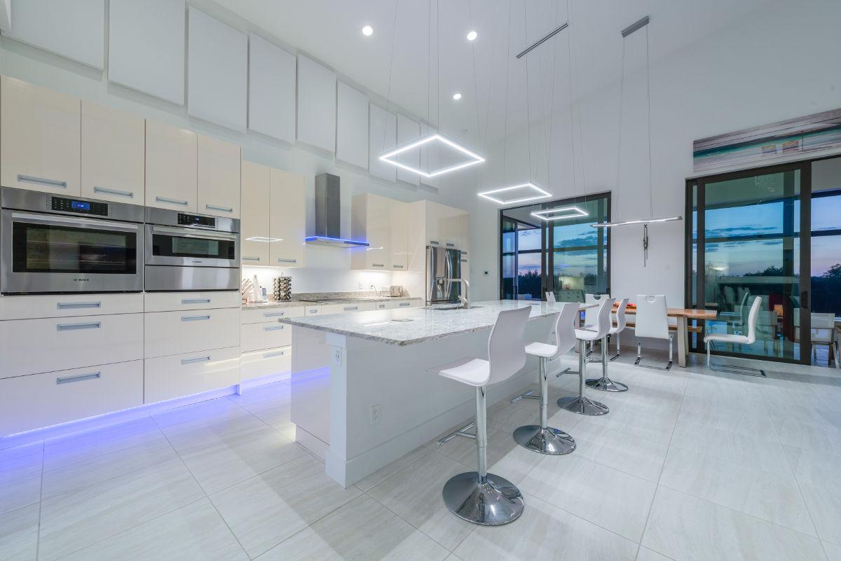 Spektakuläres Design und Luxus pur. Ferienhaus Villa LadyElsy in ...
